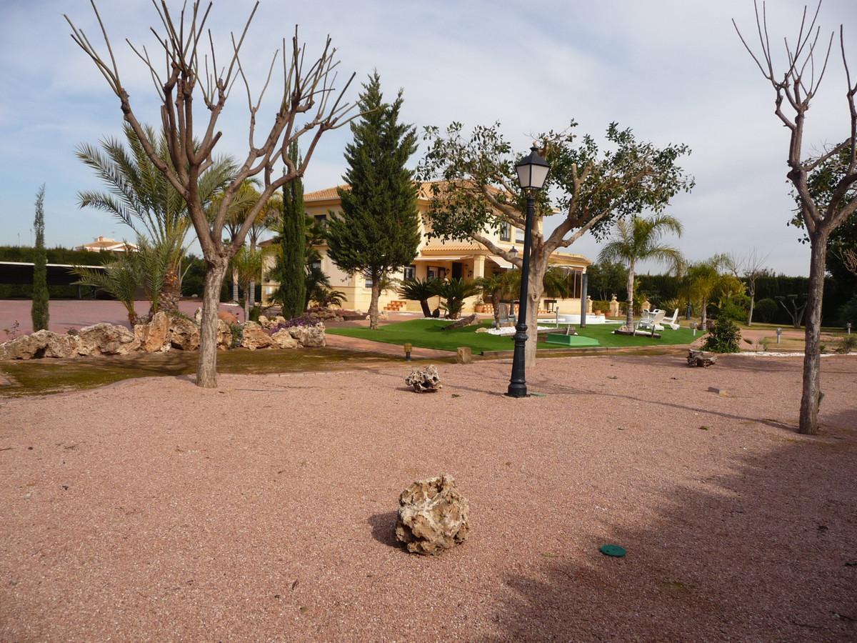 Detached Villa in Elche
