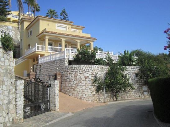 Torrenueva / Mijas Costa  Lovely villa built by the finest materials and with underfloor heating thr,Spain
