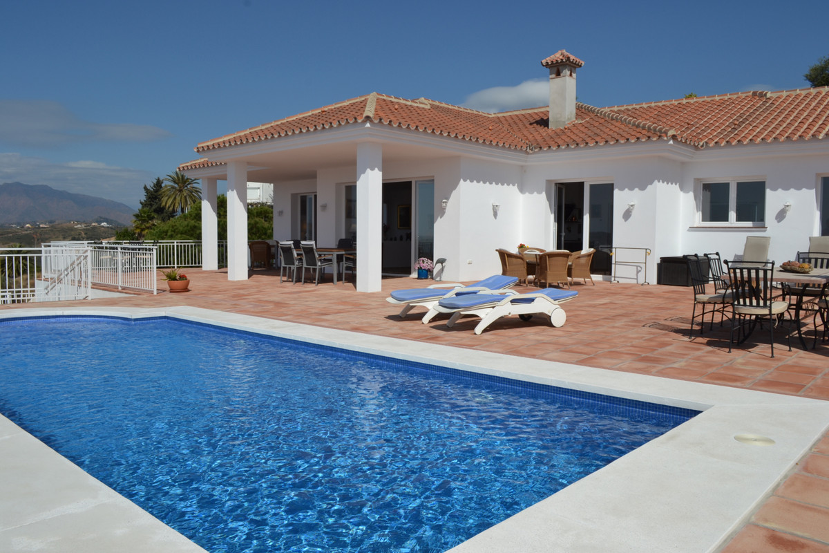 Freistehende Villa in Sierrezuela R3386539