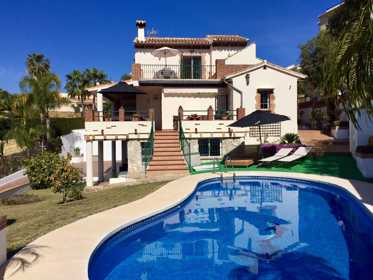 Villa located in La Cala, Torrenueva, within walking distance to the beach.  Really great big villa ,Spain