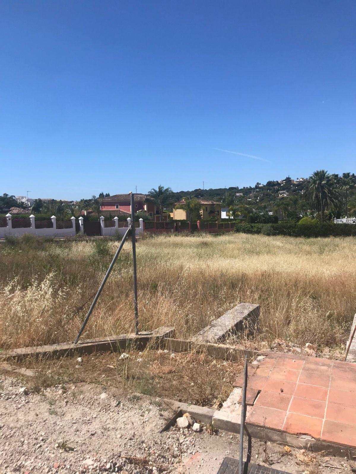 Residential Plot in Nueva Andalucia
