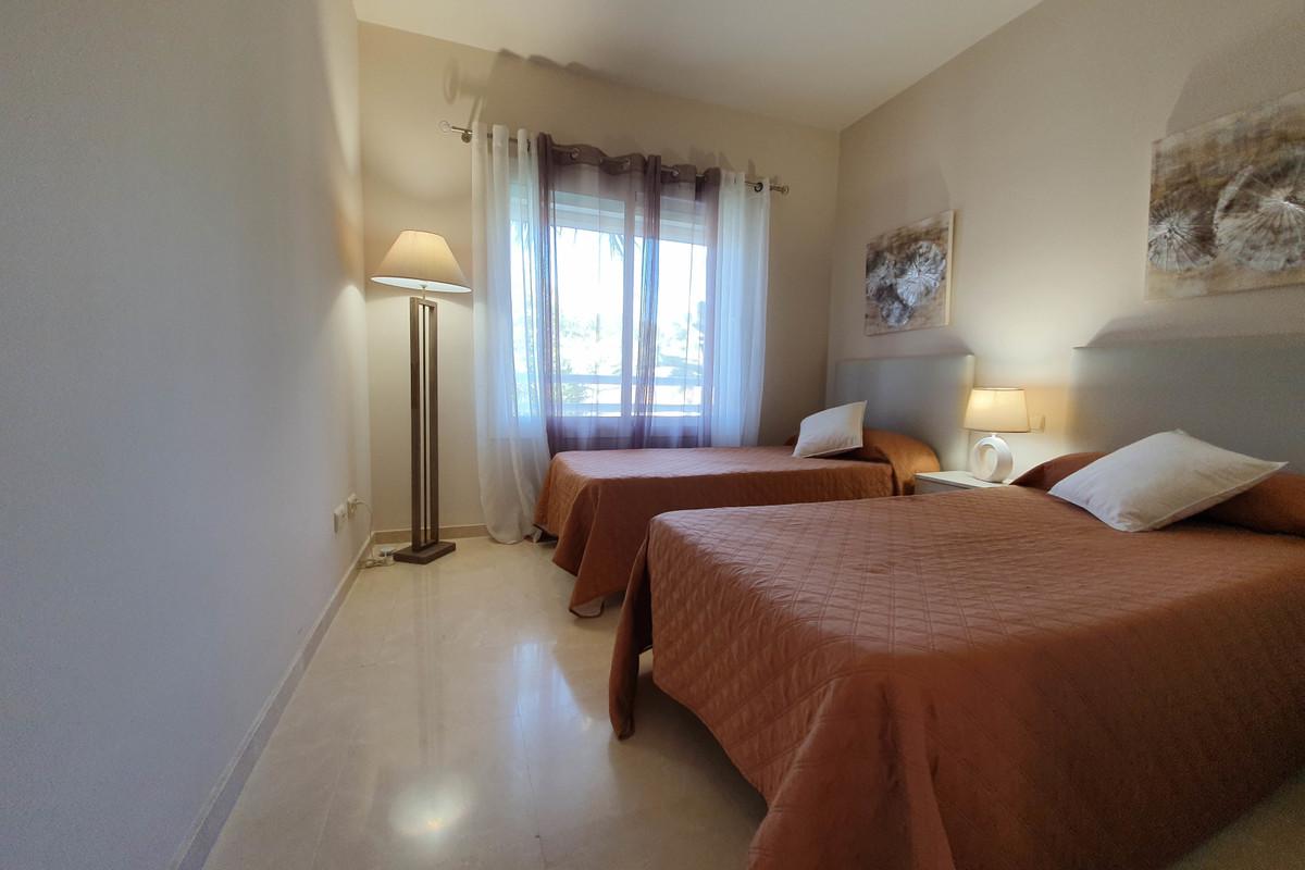 Apartment Middle Floor in Casares, Costa del Sol