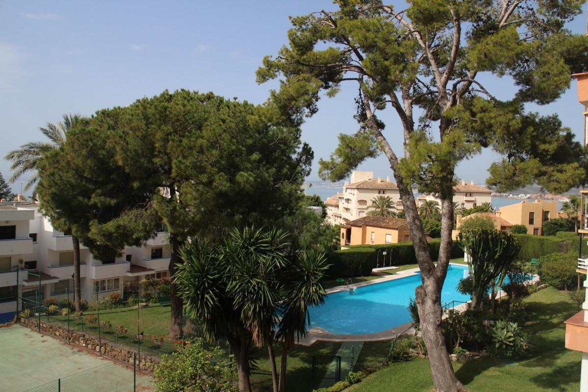 R2922422: Apartment for sale in Estepona