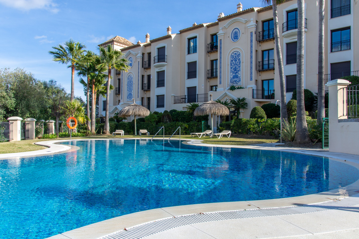 Lovely and very spacious 2 bedroom apartment for sale in the exclusive development Buenavista in La ,Spain