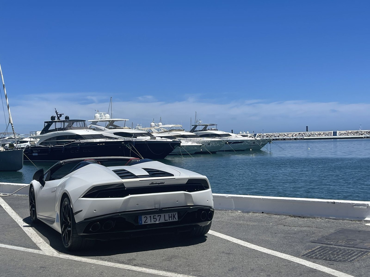 Fantastic apartment with the best location in the port of Puerto Banus. Great apartment in the first,Spain