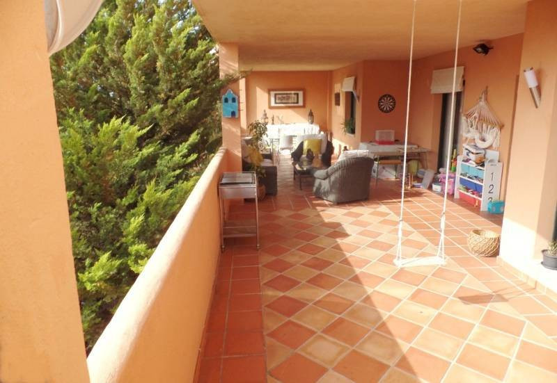 R2539325 Apartment Elviria, Málaga, Costa del Sol