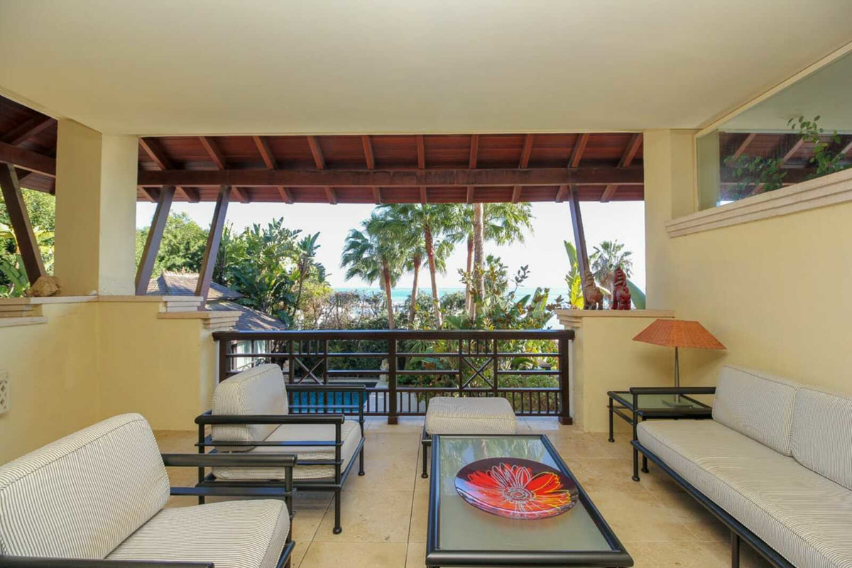 Penthouse, Puerto Banus, Costa del Sol. 3 Bedrooms, 3 Bathrooms, Built 260 m2;, Terrace 50 m2;, Gard,Spain