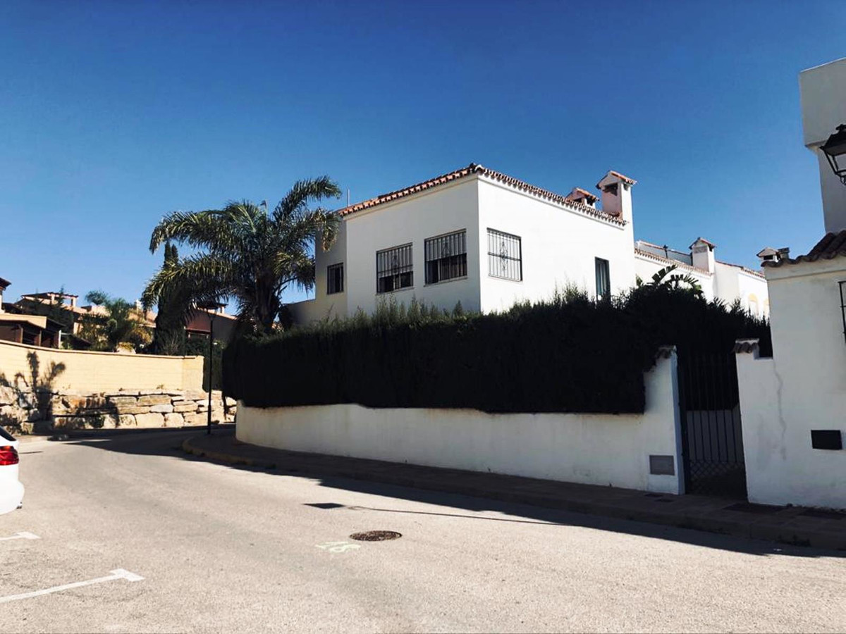 Townhouse, Casares Playa, Costa del Sol. Built 190 m², Terrace 70 m², Garden/Plot 65 m².  Setting : ,Spain
