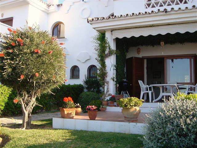 Townhouse, La Duquesa, Costa del Sol. 3 Bedrooms, 3 Bathrooms, Built 145 m², Terrace 20 m², Garden/P,Spain