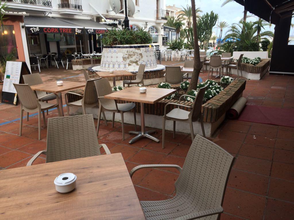 Restaurant, La Duquesa, Costa del Sol. Built 150 m², Terrace 100 m².  Setting : Commercial Area, Bea,Spain