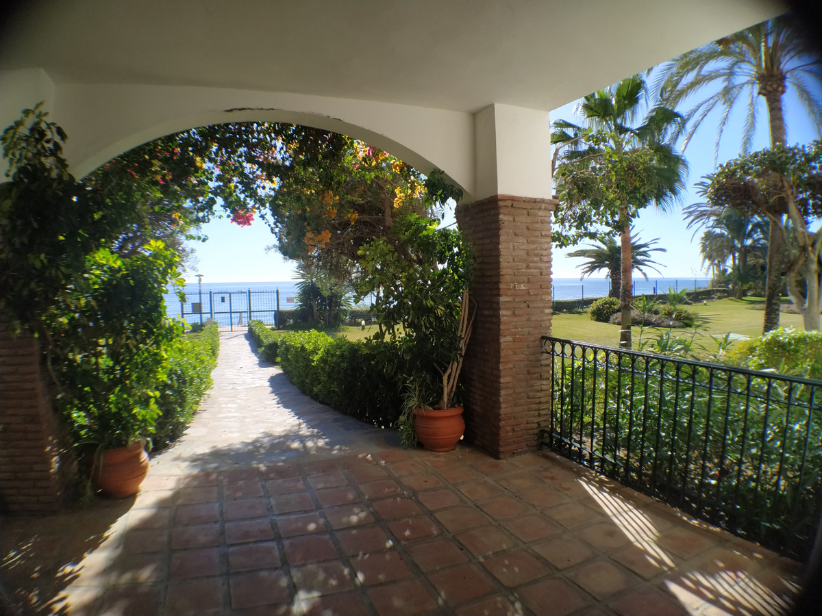STUNNING 3/4 BED 3.5 BATH DUPLEX RIGHT NEXT TO THE BEACH IN A BEAUTIFUL AND STRATEGICALLY LOCATED UR,Spain
