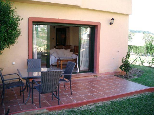 , La Duquesa, Costa del Sol. 3 Bedrooms, 3 Bathrooms, Built 130 m², Terrace 20 m², Garden/Plot 50 m²,Spain
