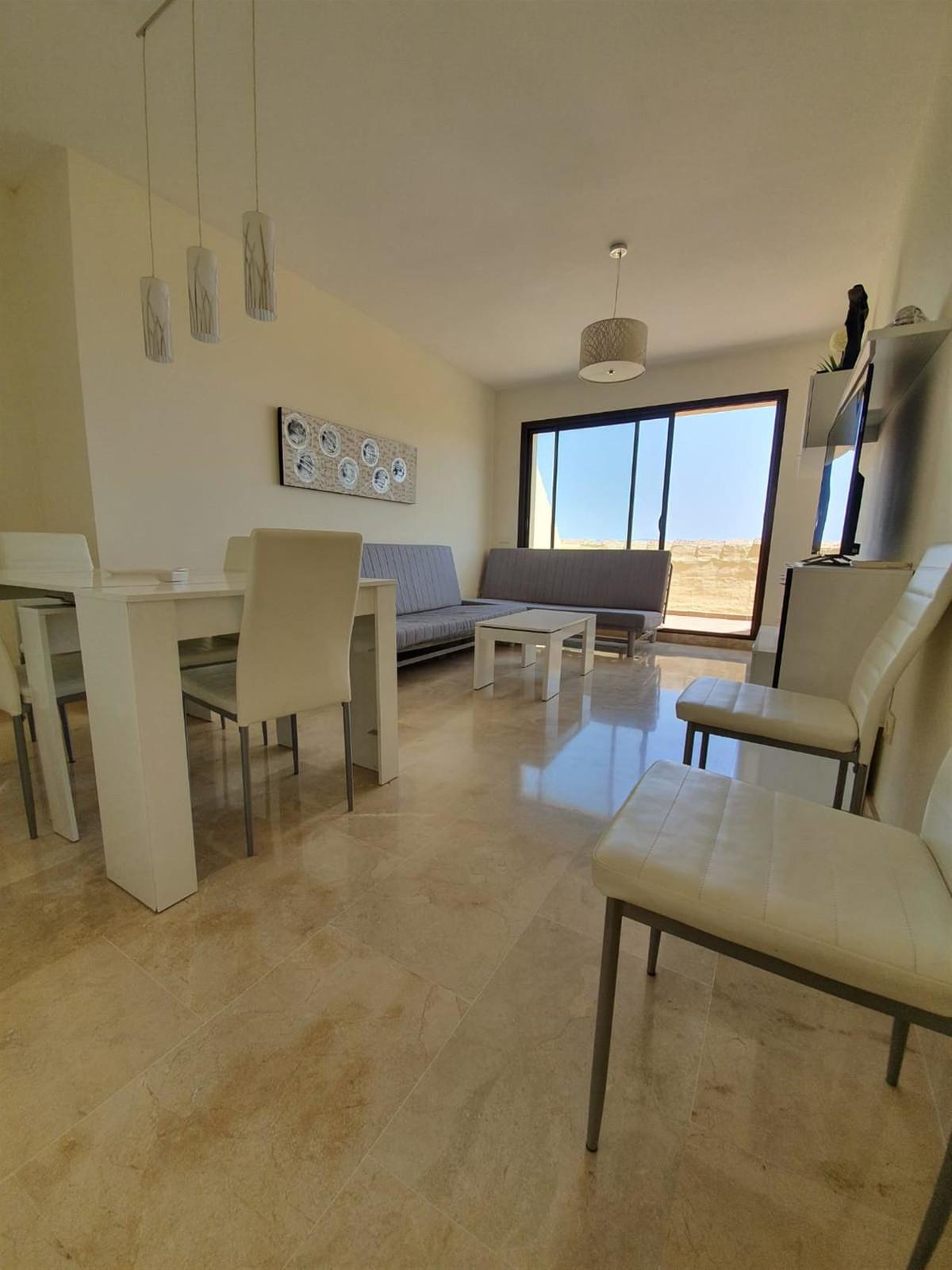 Penthouse, La Duquesa, Costa del Sol. 2 Bedrooms, 2 Bathrooms, Built 85 m², Terrace 40 m².  Setting ,Spain