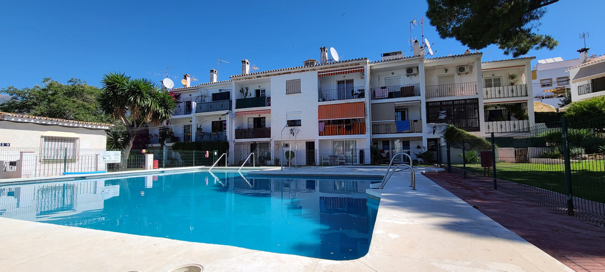 1 Bedroom Ground Floor Studio For Sale Marbella, Costa del Sol - HP3880183