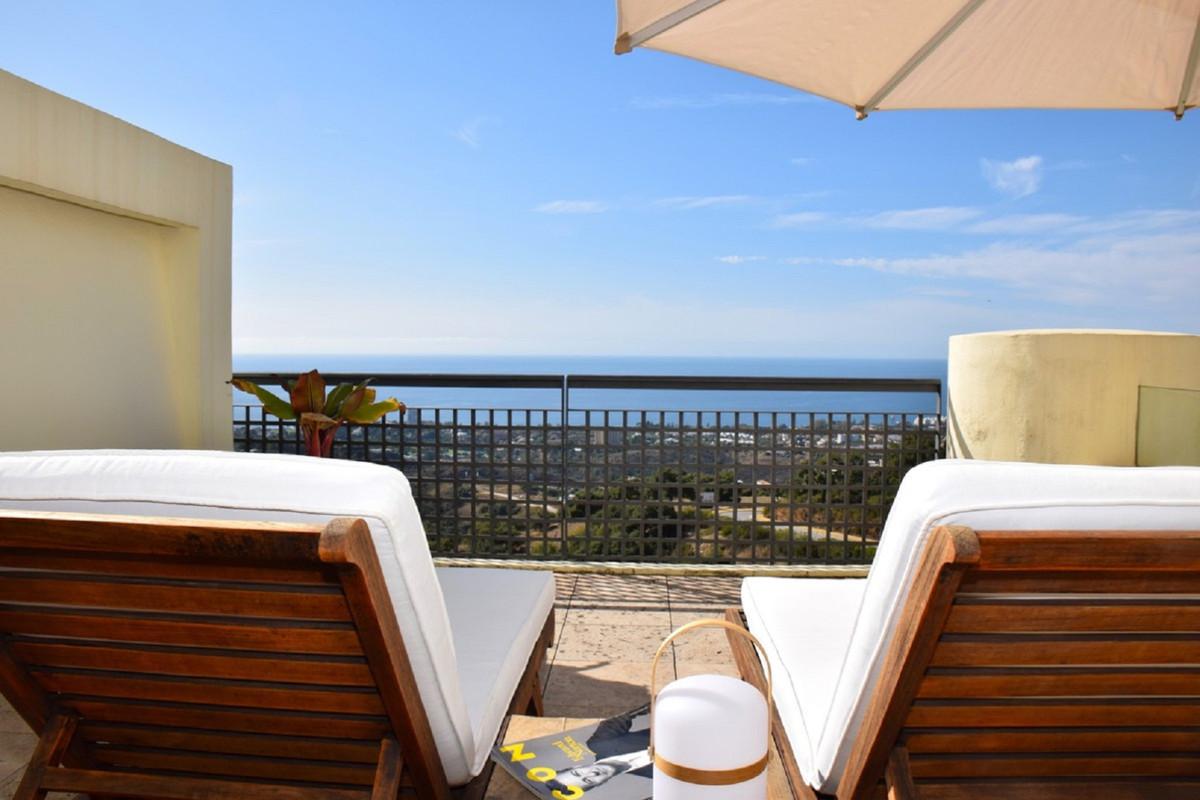 Middle Floor Apartment for sale in Altos de los Monteros R3645920