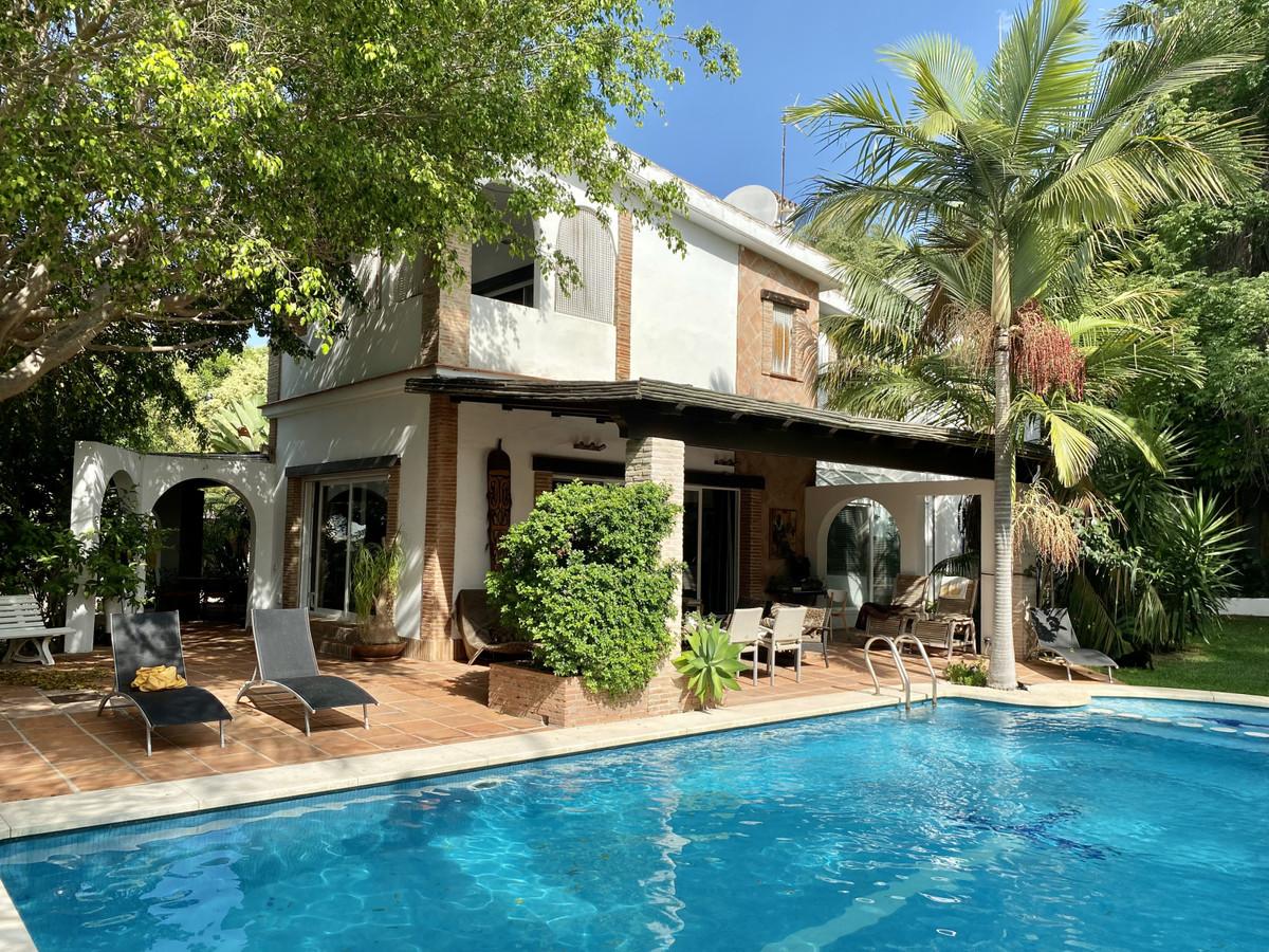 Villa en vente à The Golden Mile R3875206