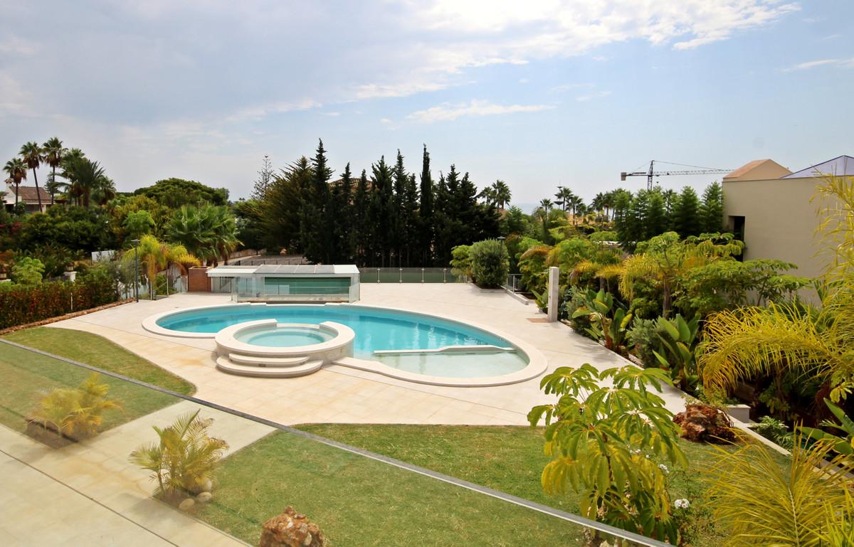 House in Bahía de Marbella R3503641 10