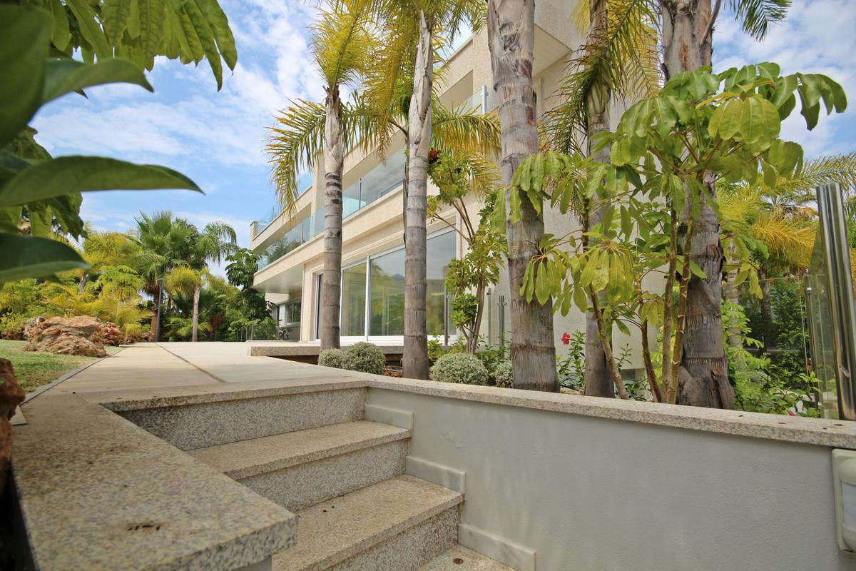 House in Bahía de Marbella R3503641 2