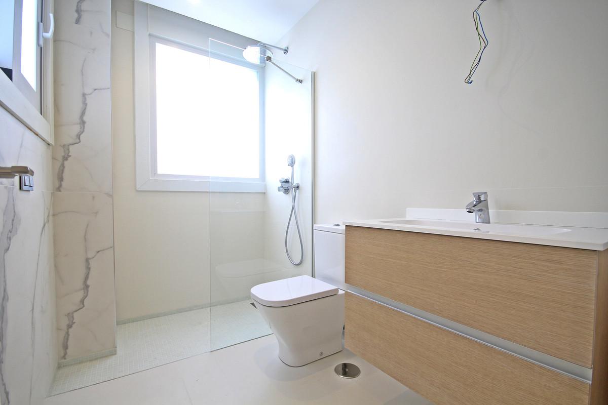 House in Bahía de Marbella R3503641 37