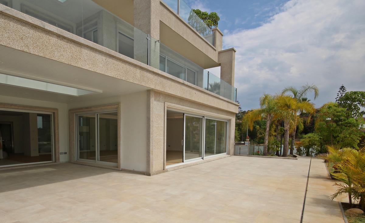 House in Bahía de Marbella R3503641 8