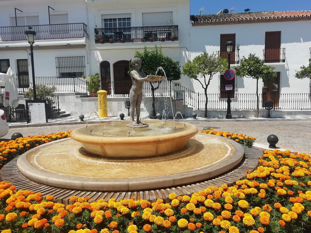 HOUSE IN BENALMADENA PUEBLO. It is an old house in the center of Benalmadena-Pueblo, The plot has an,Spain