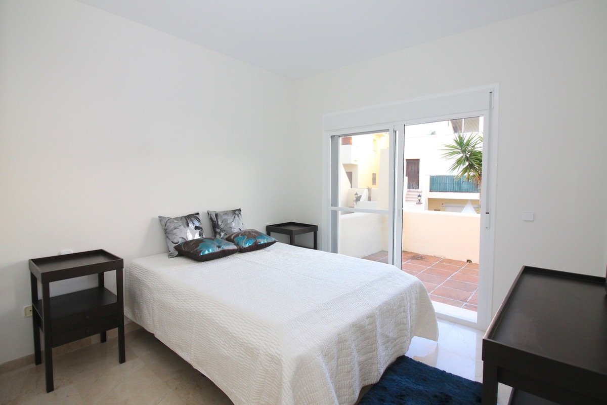 Apartment in Aloha R3368080 4