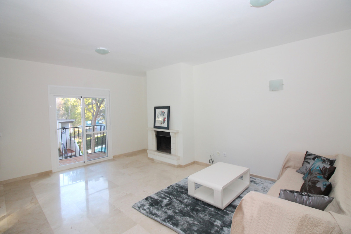 Apartment in Aloha R3368080 7