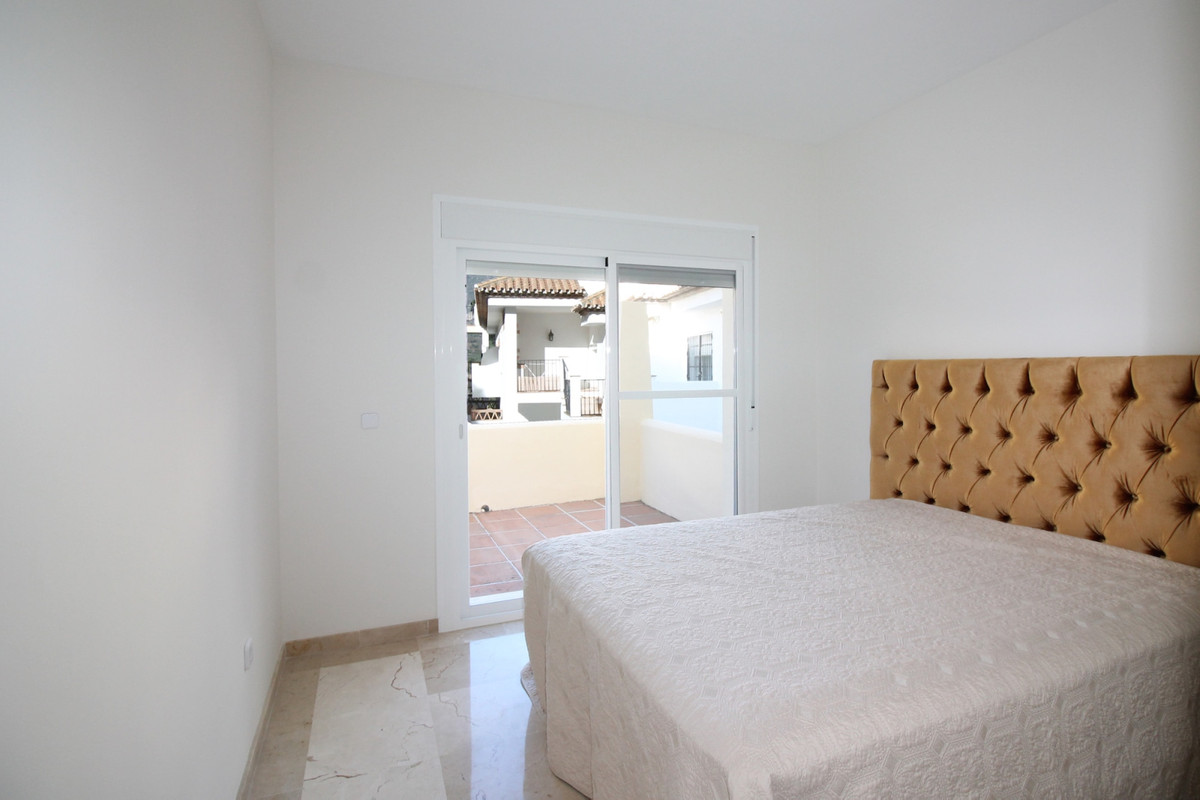 Apartment in Aloha R3368080 9