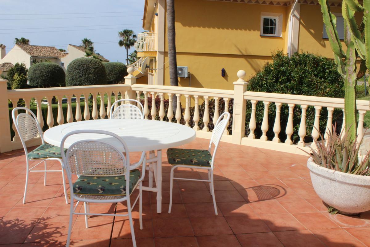 Villa con 4 Dormitorios en Venta Hacienda Las Chapas