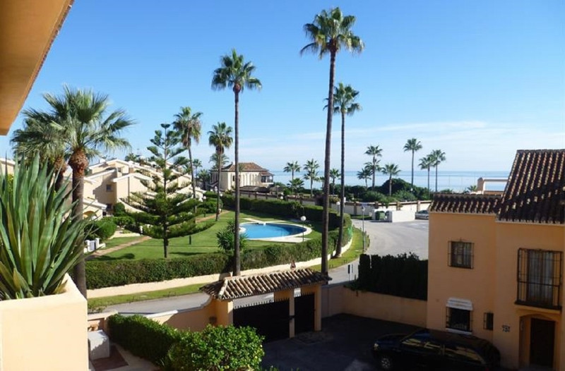 150 meters from one of the best beaches on the Costa del Sol. Residencial Playa Alicate is a popular,Spain