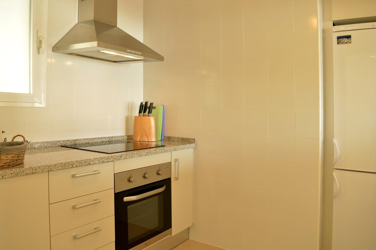Apartment Middle Floor Calahonda Málaga Costa del Sol R3583750 6