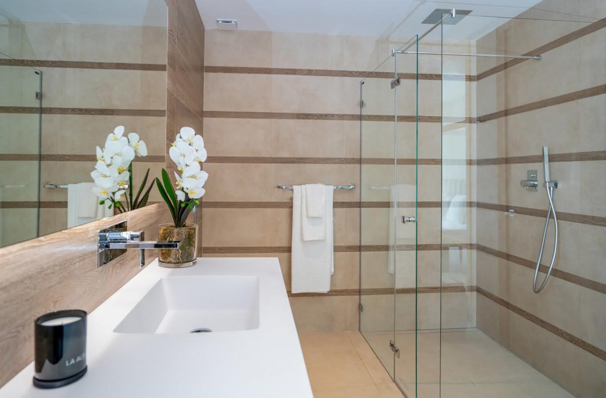 Apartment Ground Floor Benahavís Málaga Costa del Sol R3664250 9