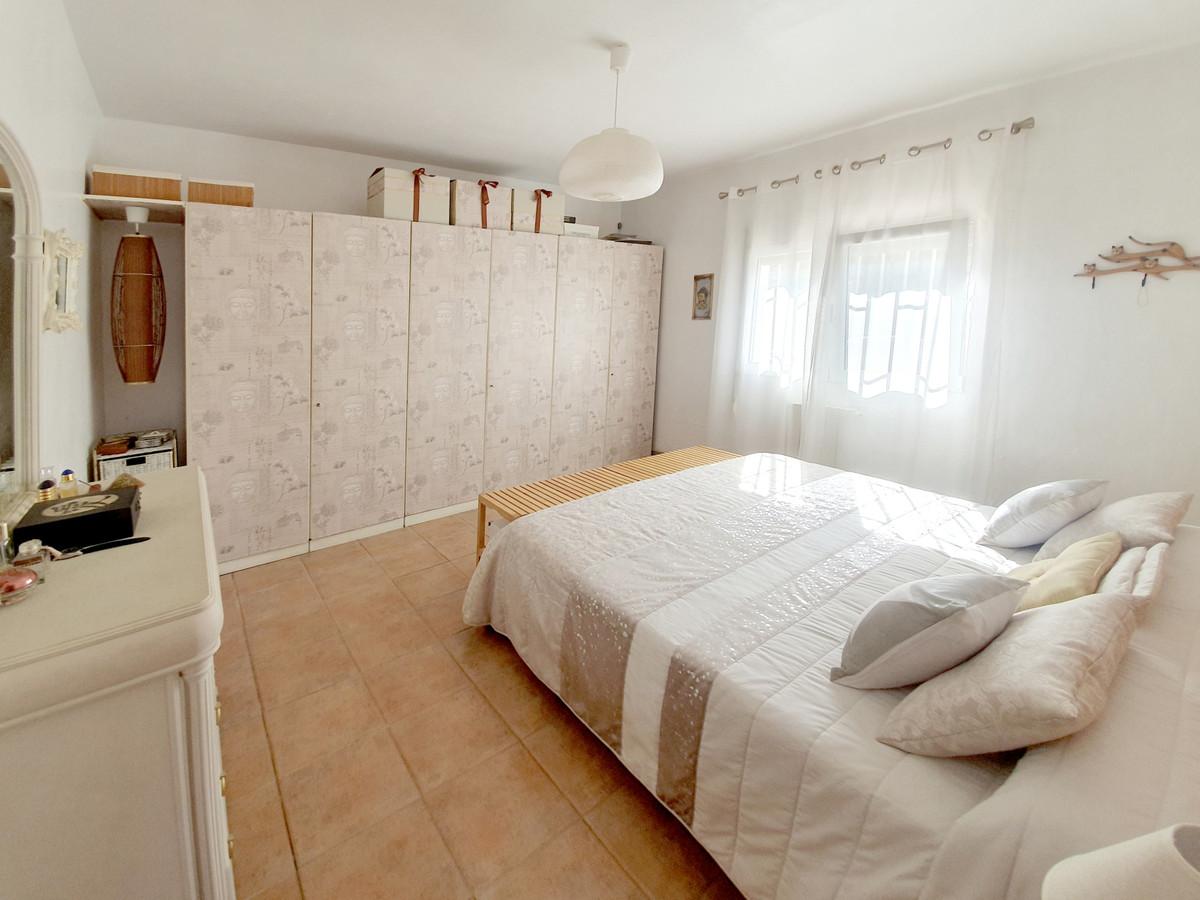 House in Alhaurín el Grande R3628043 10