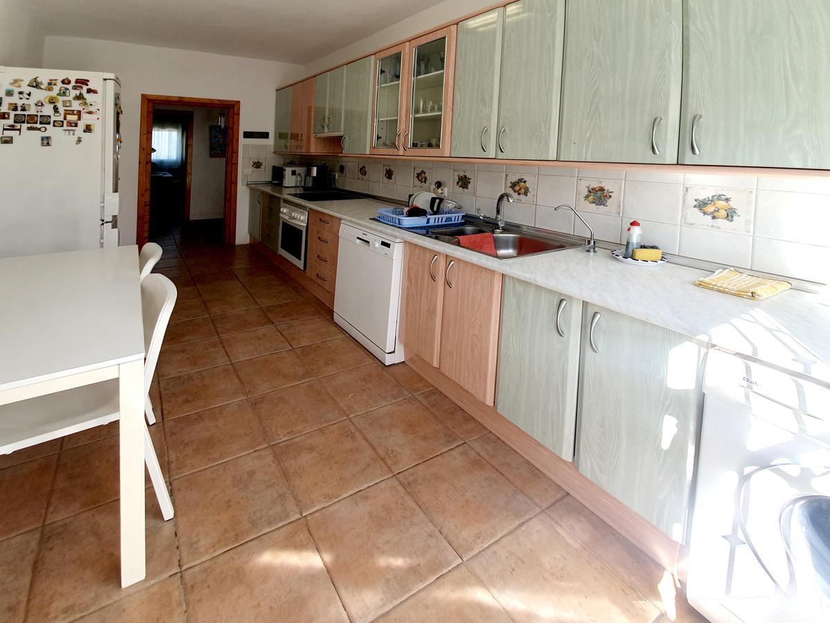 House in Alhaurín el Grande R3628043 8