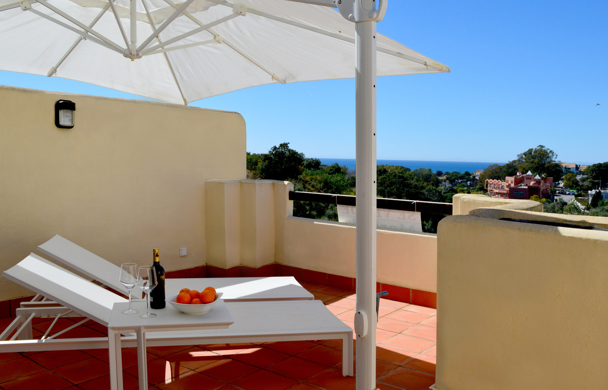 This is a fantastic town house in show house condition. It is distributed over three floors, has thr,Spain