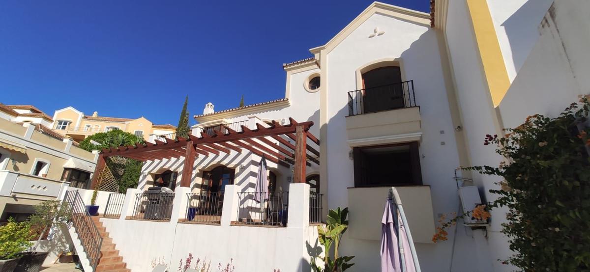 Maison Jumelée  Mitoyenne en vente   à Benahavís