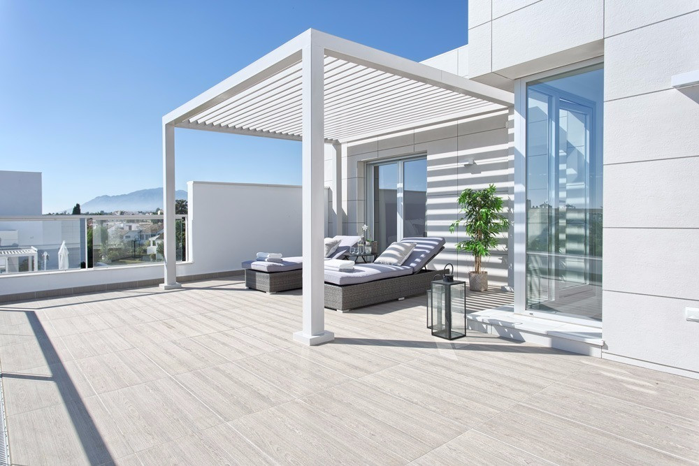 New Built penthouse by the beach! Welcome to Jade Beach! A brand new, large, luxurious & modern ,Spain