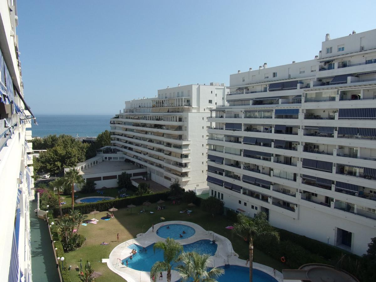 Middle Floor Apartment, Marbella, Costa del Sol. 2 Bedrooms, 2 Bathrooms, Built 73 m², Terrace 15 m²,Spain