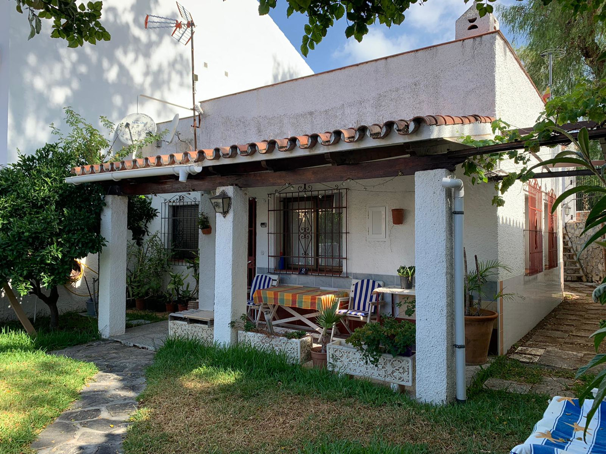 Detached Villa, Marbella, Costa del Sol. 2 Bedrooms, 1 Bathroom, Built 60 m², Terrace 18 m², Garden/,Spain