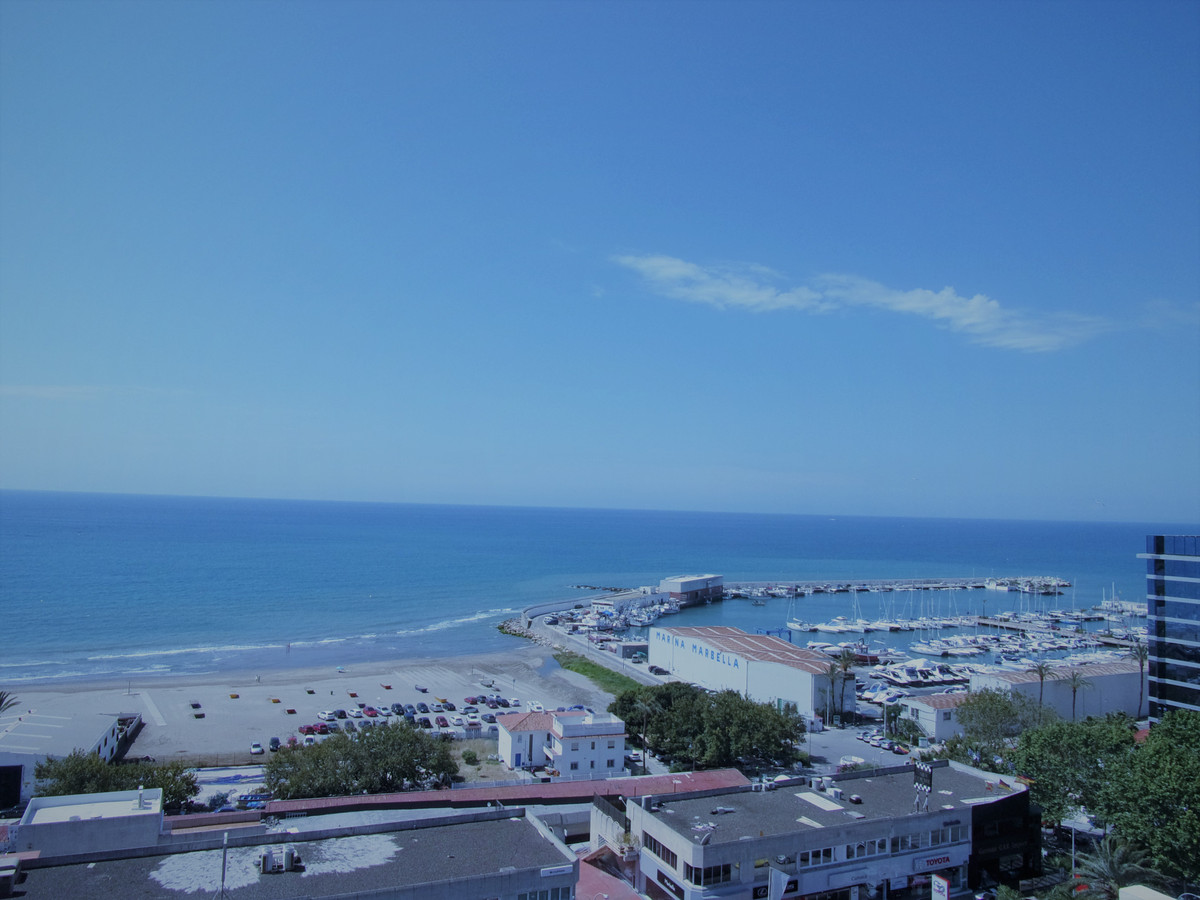 Penthouse, Marbella, Costa del Sol. 2 Bedrooms, 2 Bathrooms, Built 91 m², Terrace 115 m².  Setting :,Spain