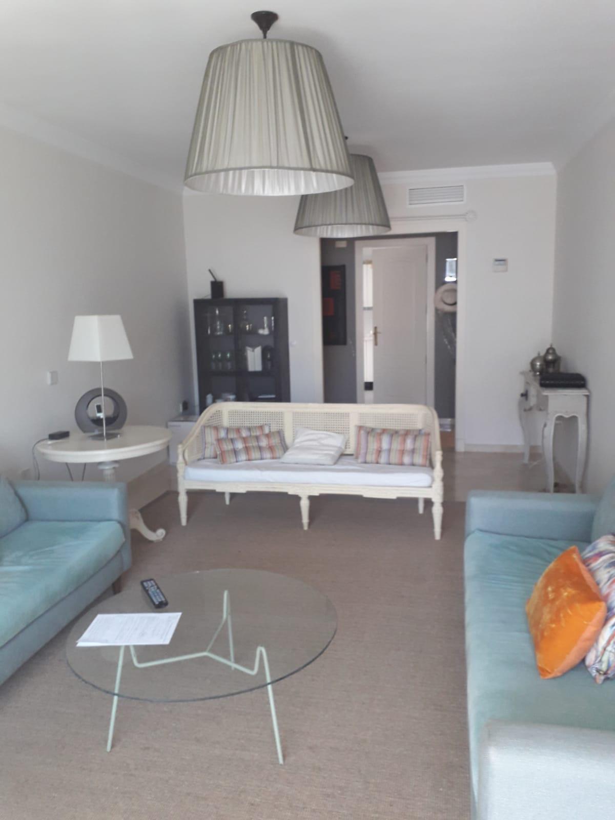 Middle Floor Apartment, Puerto Banus, Costa del Sol. 2 Bedrooms, 2 Bathrooms, Built 90 m², Terrace 2,Spain