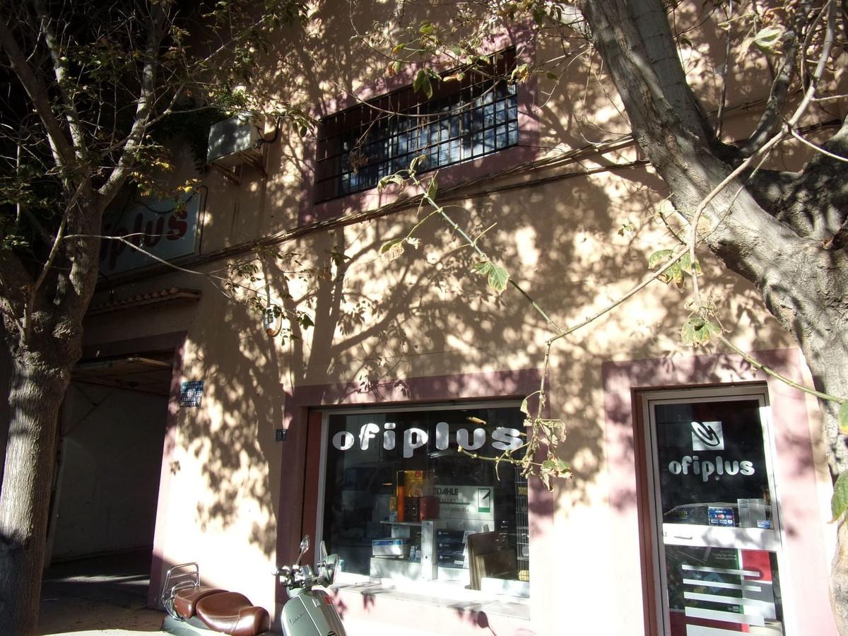 Business, Marbella, Costa del Sol. Built 360 m².  Orientation : East. Condition : Good. Parking : PrSpain