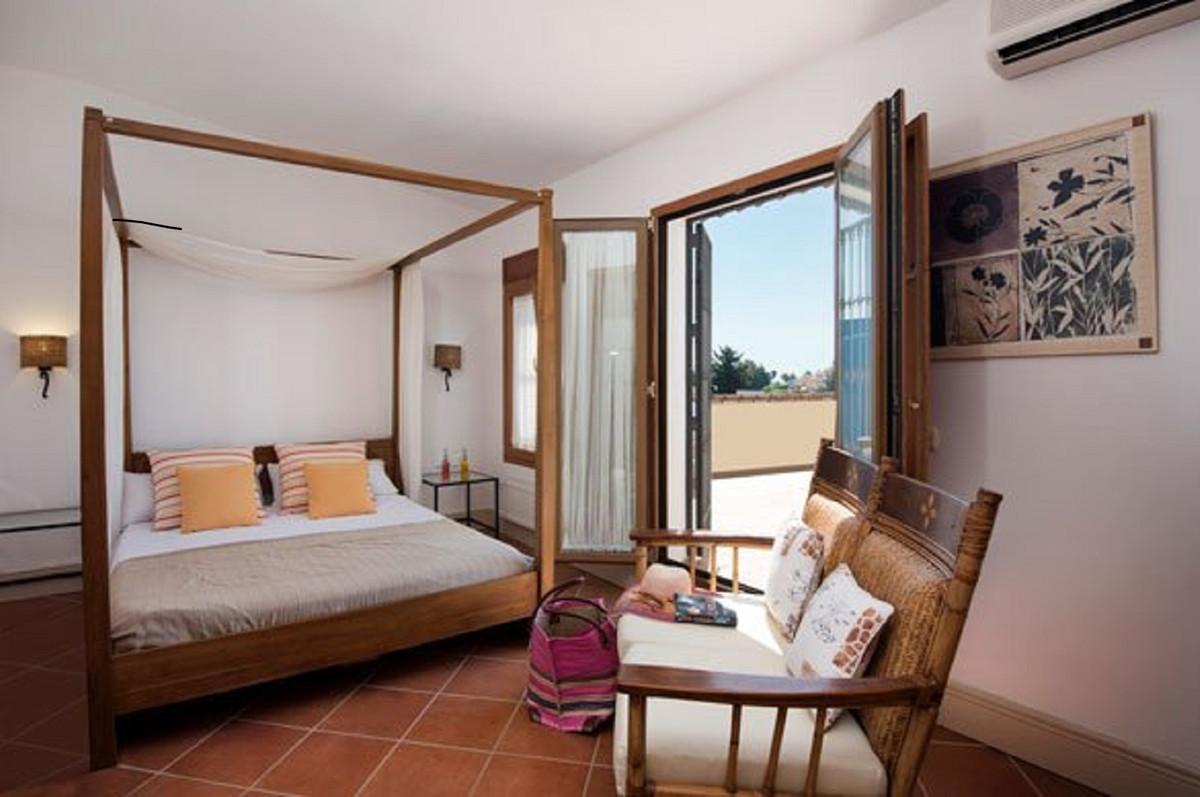 Villa con 5 Dormitorios en Venta Sierrezuela