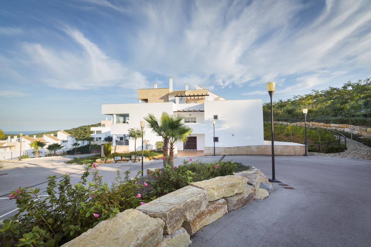 2 bedroom 2 bathroom apartment in the beautiful golf course Terrazas de Alcaidesa , The apartment is,Spain