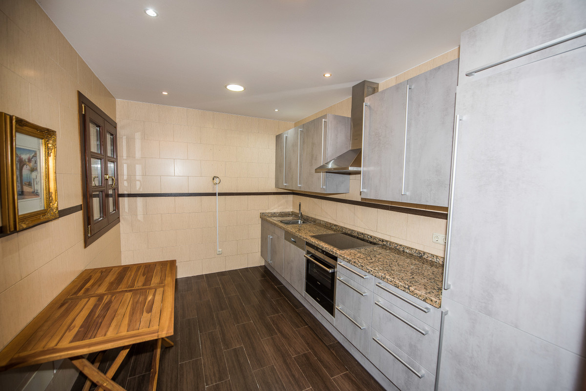 9 Bedroom Villa For Sale - La Zagaleta, Benahavis