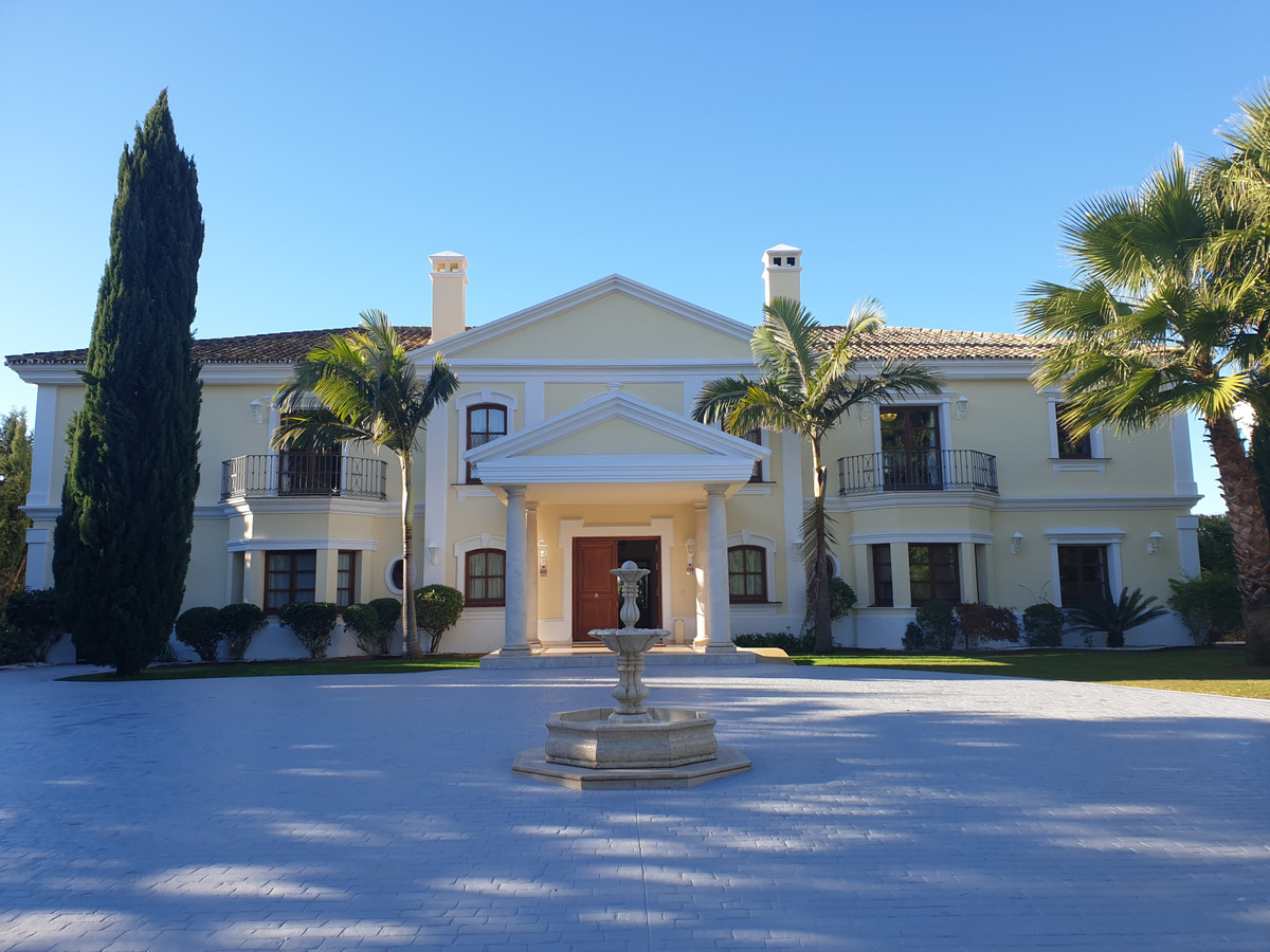Villa con 7 Dormitorios en Venta Sierra Blanca