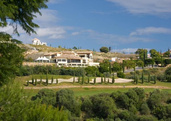 LOCATION! A prime position development site of 5 plots on the front line golf with superb sea, golf ,Spain