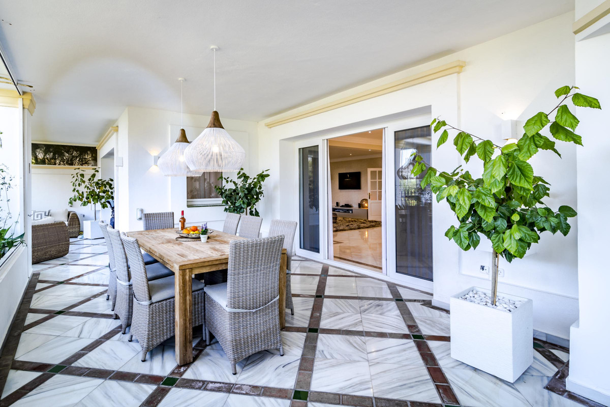 SOLD FULLY FURNISHED! This extremely large 5 bed ground floor apartment has recently been renovated ,Spain