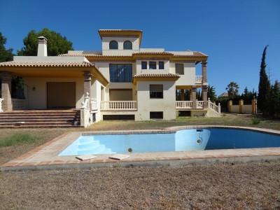 House in Atalaya R2768564 2
