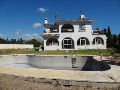 Villa Independiente en Atalaya, Costa del Sol